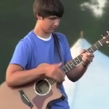 【動画】アコギでタッピング練習してる人に見て欲しい!これがガチなタッピング奏法だ!って分かる神業動画。