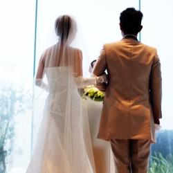 【音楽】結婚する2人に即興で曲を演奏したストリート・ミュージシャンがカッコイイ!