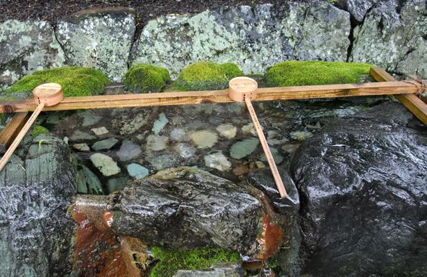 【お正月】初詣までに知っておきたい!正しい手水(お清め)のマナー。