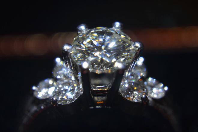 【ビジネス】故人の思い出を形に、遺骨からダイアモンドを作るサービスが話題。