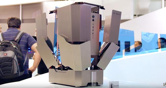 【PC】ロボットみたいなPCケースがカッコイイと話題に!