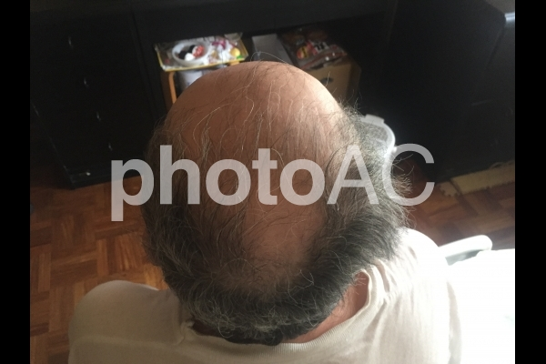 https://www.photo-ac.com/main/detail/461584?title=%E9%AB%AA%E3%81%AE%E6%AF%9B%20